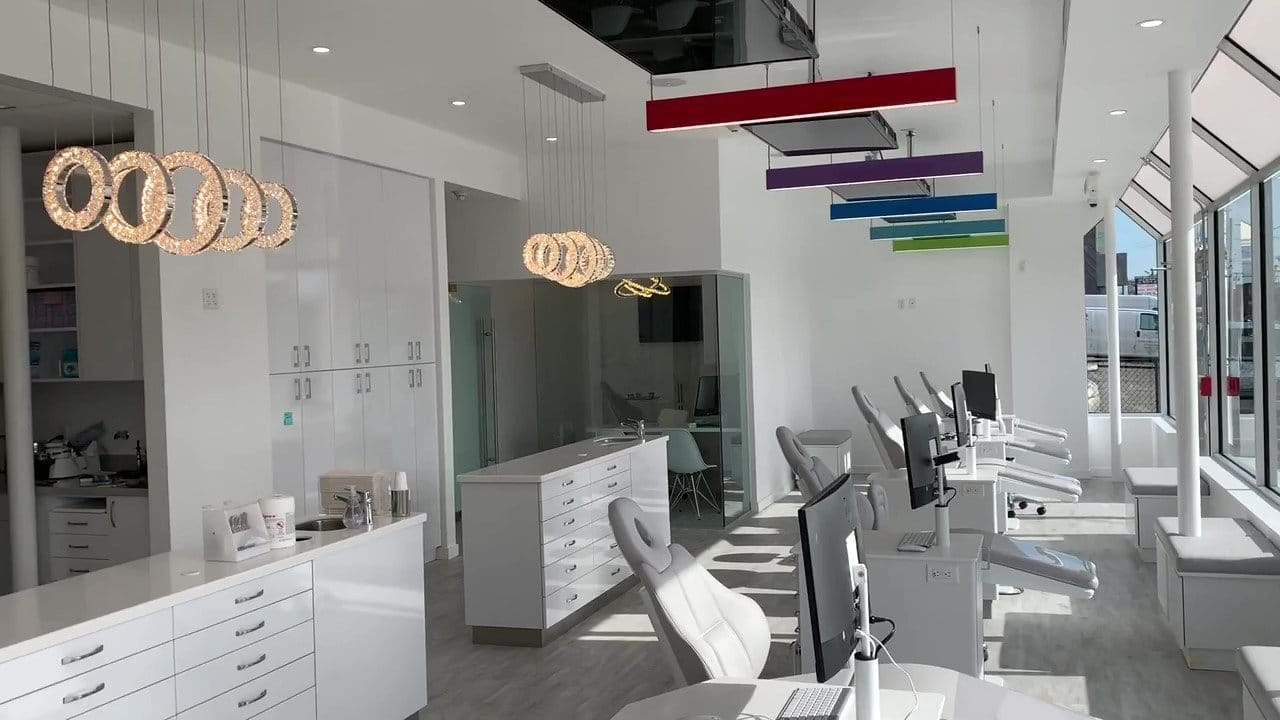 Jericho Smiles Orthodontics & Pediatric Dentistry Long Island NY Office Interior - Orthodontic Clinic area